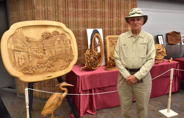 Bob Gill - Featured Carver
