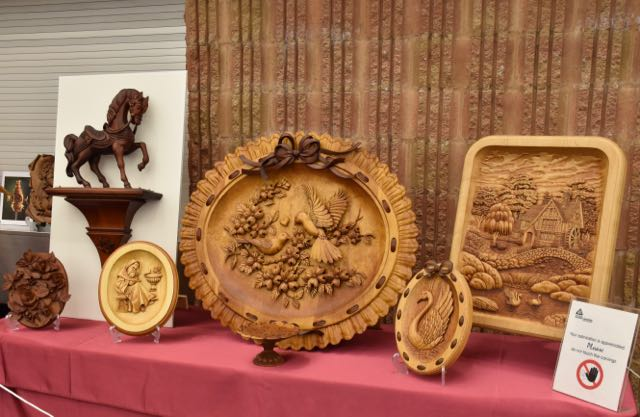 Carvings by Bob Gill
